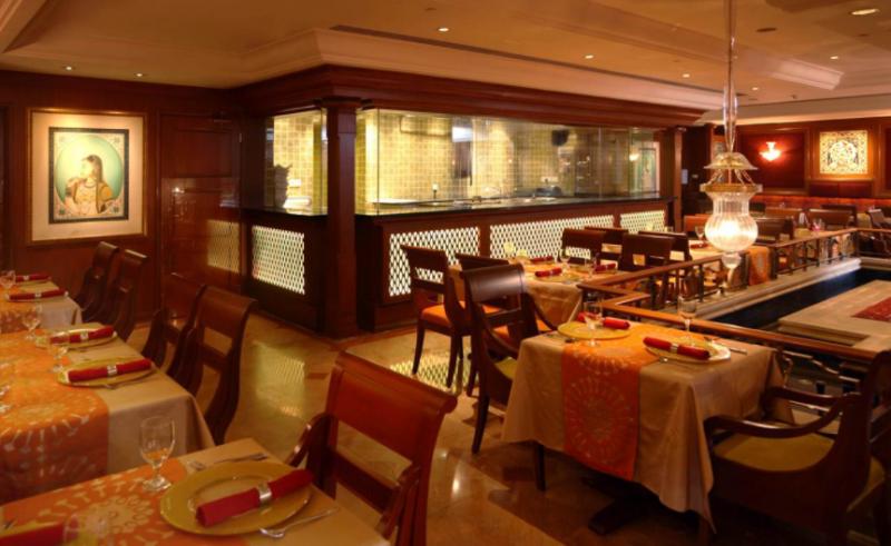 餐厅家具厂家谈谈西餐厅家具应该怎么选?